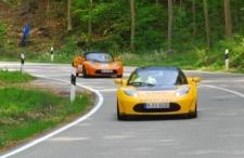 Rückkehr der Tesla Roadsters - Startnummer 20 hinter Safety Car